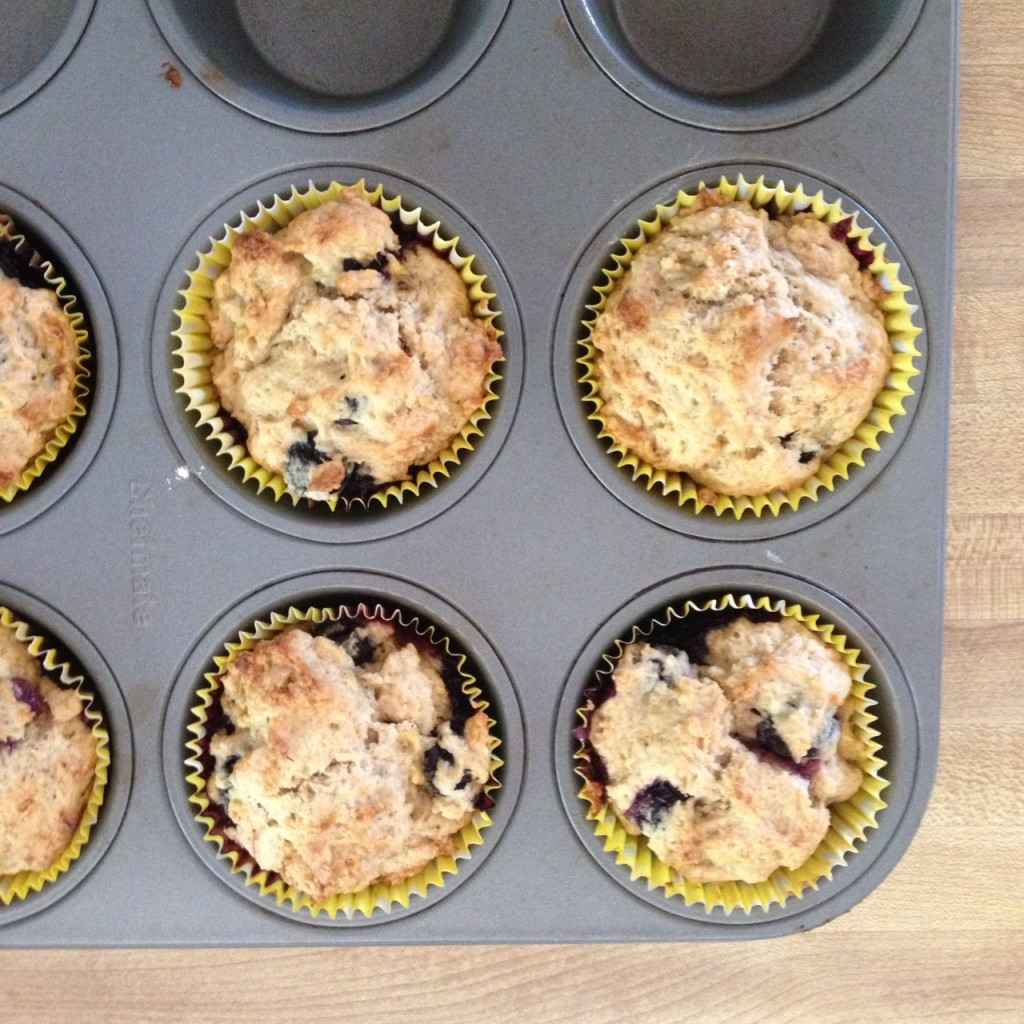 blueberry-banana-bread-muffins