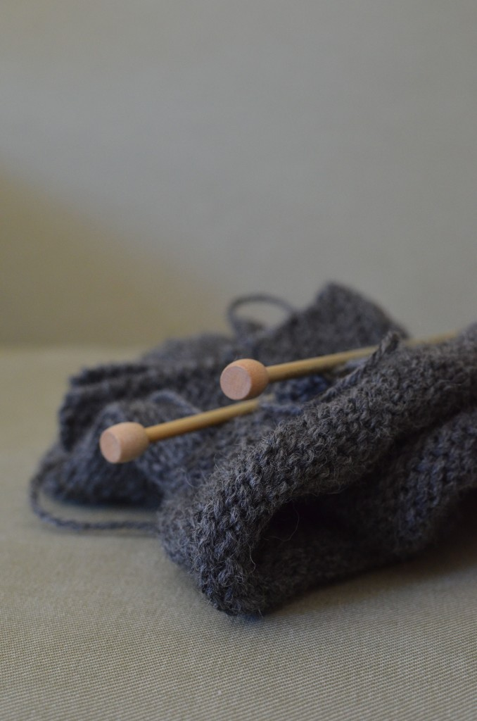 grey-knit-needles